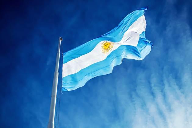 [News] 阿根廷總統為生髮水做廣告 堪稱親力親為