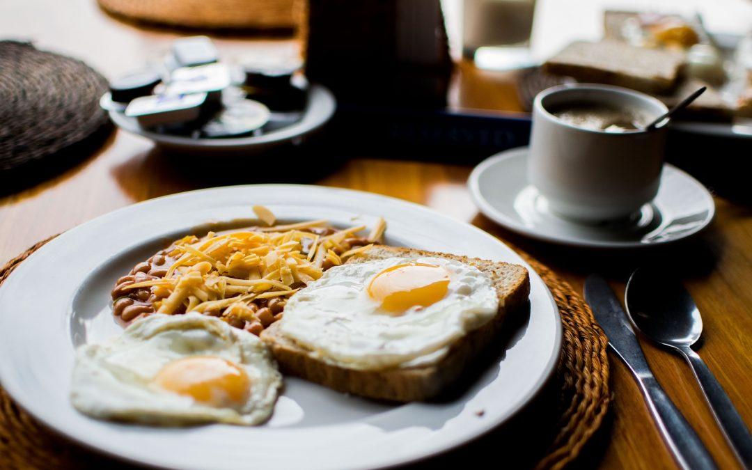 早餐多進食這3款食物可促進頭髮生長