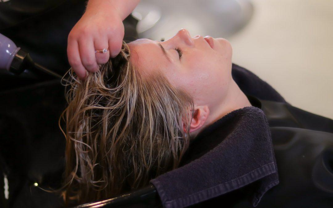 頭皮按摩可以幫助您的頭髮生長嗎?